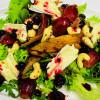 Из печеной утки, винограда, орехов кешью и сыра бри Веранда