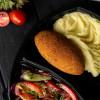 Котлета по-киевски с картофельным пюре и с салатом из сезонных овощей Вареники