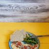 Хумус с овощами и хлебцами  Family Palace