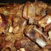 Бараньи ребра тушенные с луком Истанбул