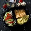 Курица в сливочном соусе, картофельным пюре и салатом из сезонных овощей Dinapoli
