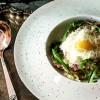 Спагетти карбонара с беконом, пармезаном и перепелиным яйцом Филижанка