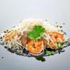 Жареный рис с яйцом и креветками UMAMI