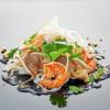 Яичная /рисовая лапша с креветками и овощами UMAMI