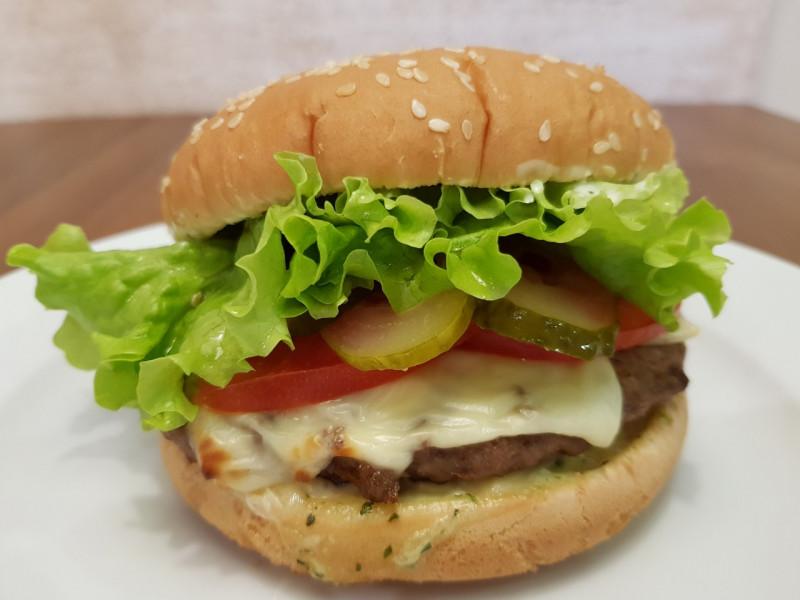Чизбургер Lunch Cafe (Ланч Кафе)