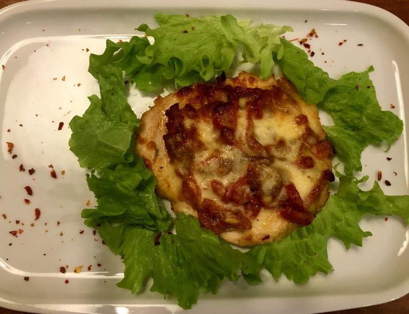Куриный биток с овощами и сыром моцарелла Lunch Cafe (Ланч Кафе)