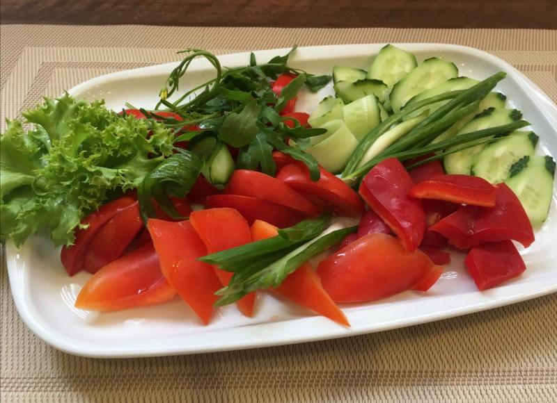 Ассорти из свежих овощей Lunch Cafe (Ланч Кафе)