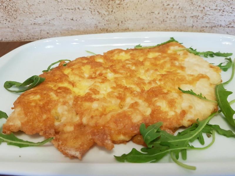 Куриная отбивная в сырной корочке Lunch Cafe (Ланч Кафе)