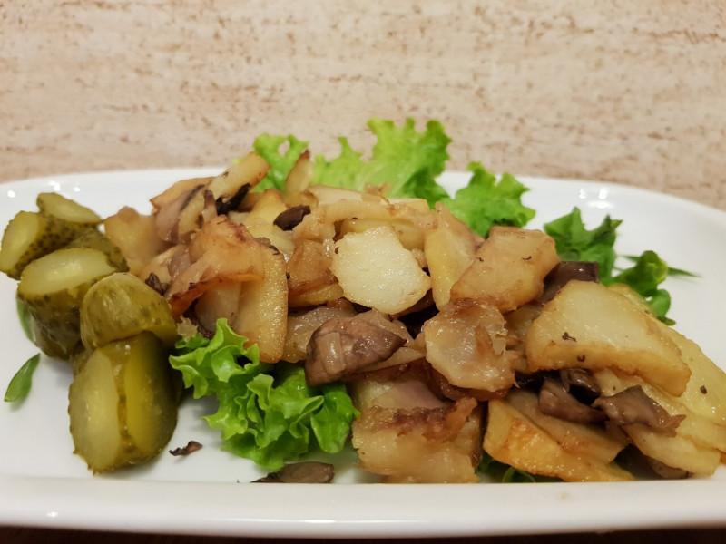 Картофель по-домашнему с грибами Lunch Cafe (Ланч Кафе)